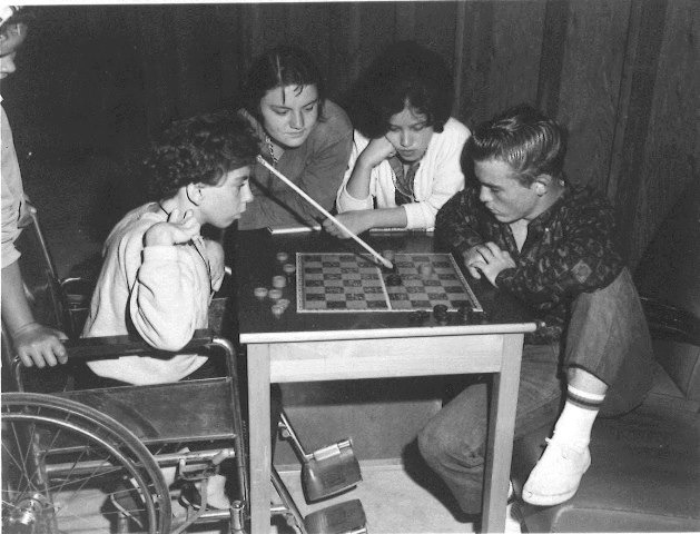 160-467-14-5-board-games-handicap-camp-1950s-2