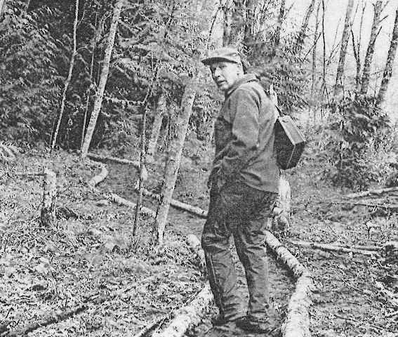 468-1-60_john_macdonald_on_trail_spring_1976_seatimes_7-25-1976
